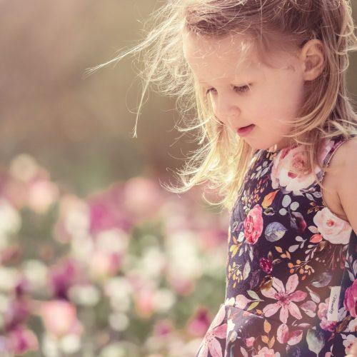 Kindershooting in Blumenmeer von Siebenschön Photography in Ahlen