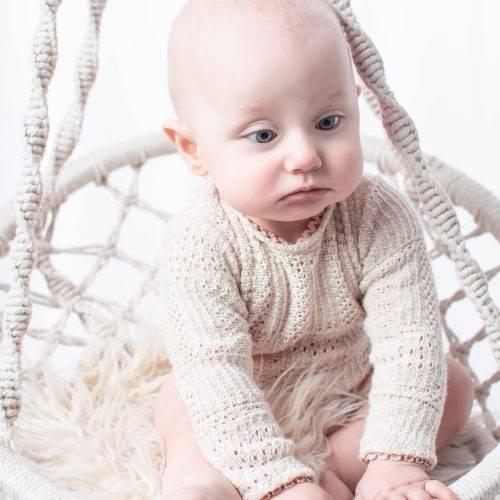 Natürliche Babyfotografie in einer Boho Schaukel - Siebenschön Photography in der Nähe von Hamm