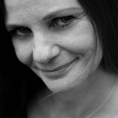 Zeitloses Portraitshooting in schwarz-weiß fotografiert von Siebenschön Photography in Beckum